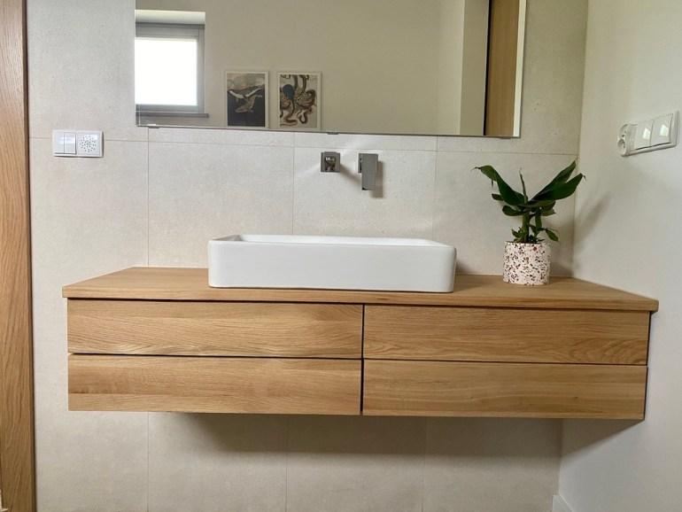 meble łazienkowe drewniane
