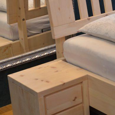 szafka nocna z drewna limby