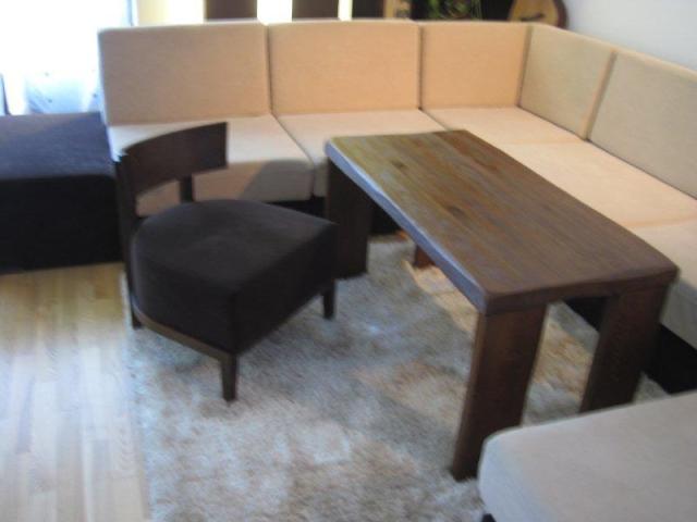 Niski fotelik kawowy