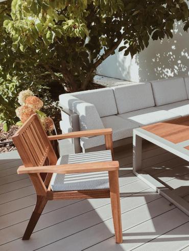 krzesła na taras z drewna egzotycznego