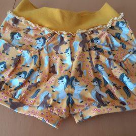 """Kurze Hose für Mädchen  """"gelb mit Taschen und Pferdemotiv Größe 116"""""""