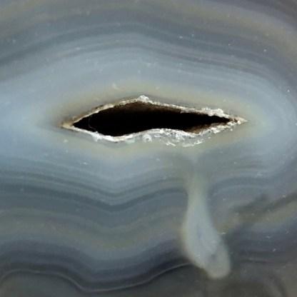 agaat dik plak grijs blauw gepolijst mineralen brazilie
