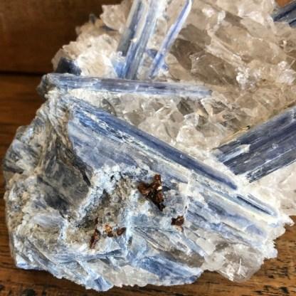 kyaniet blauw in kwarts ruw de schatkamer mineralen