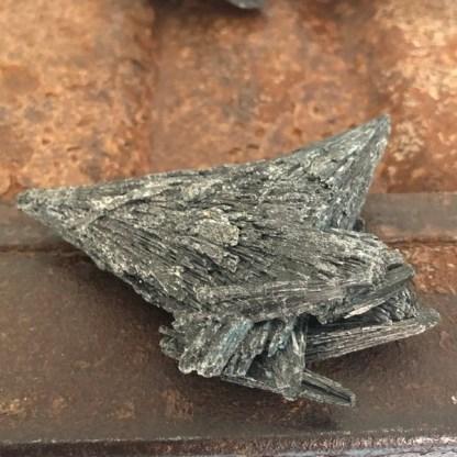 kyaniet zwart ruw nr3 mineralen
