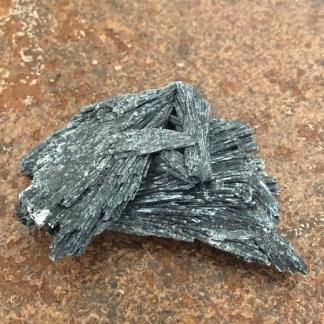 kyaniet zwart ruw nr4 mineralen