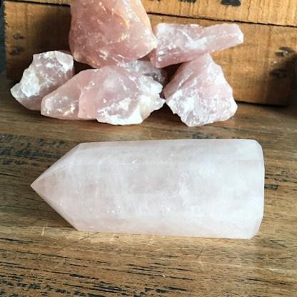 rozekwarts punt madagaskar gepolijst groot mineralen