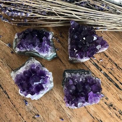 amethist uruguay ruw stukje cluster mineralen