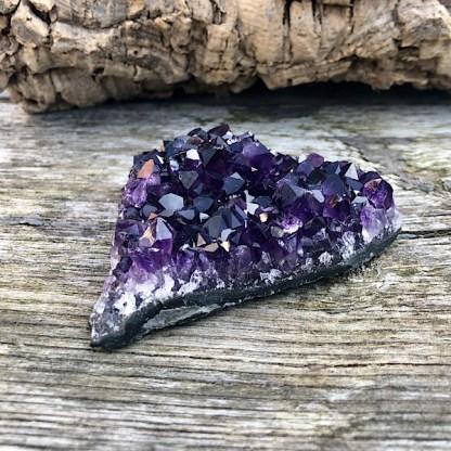 amethist ruw brok stuk brazilië nr3 mineralen de gouden driehoek