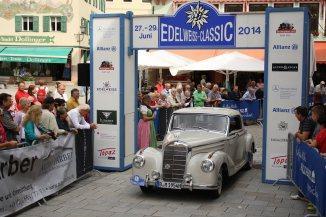 Wolter Christian und Kuschel Martin auf Mercedes 220 Coupe BJ 1954