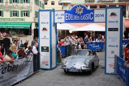 Poech Dieter und Niki u. Walter Bolzer auf Porsche 356 C Cabriolet BJ 1964