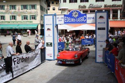 Ehrhardt Reimund und Sigrid auf Alfa Romeo Spider BJ 1982