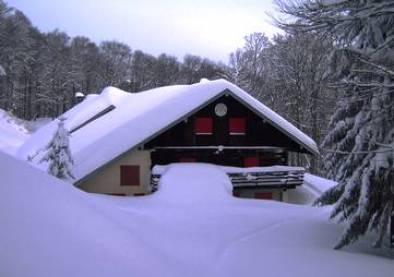 Le refuge Edelweiss sous la neige