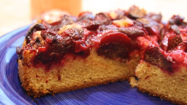 Simple Summer Plum Cake Recipe