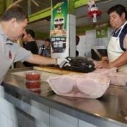 En Mercado Centenario partieron fiscalizaciones sanitarias previa a Semana Santa