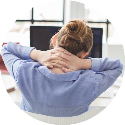 Si te duele el cuello… no duermas boca abajo