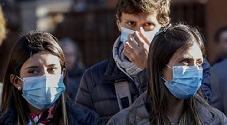 Le mascherine filtranti sono diventate l'oggetto del desiderio degli italiani a rischio Covid-19