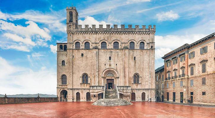 Covid-19 brucia la Festa dei Ceri e a Gubbio piazza Grande resta vuota