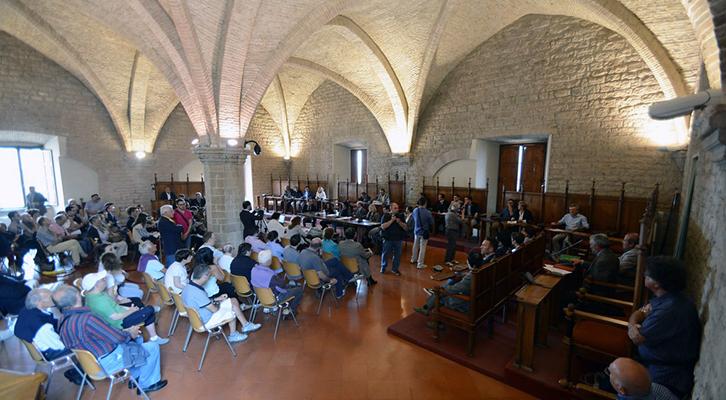 Il Consiglio Comunale di Gubbio vota una mozione per il No al Css