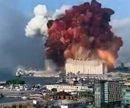 Libano. L'enorme nube causata dall'esplosione al porto di Beirut