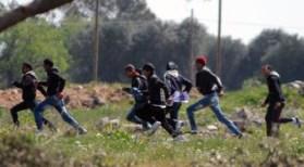 Migranti in rivolta. La fuga nei campi dell'agrigentino