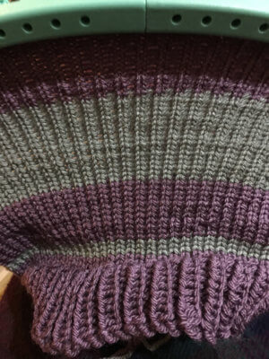 Ribbing and stockinette stitch on loom