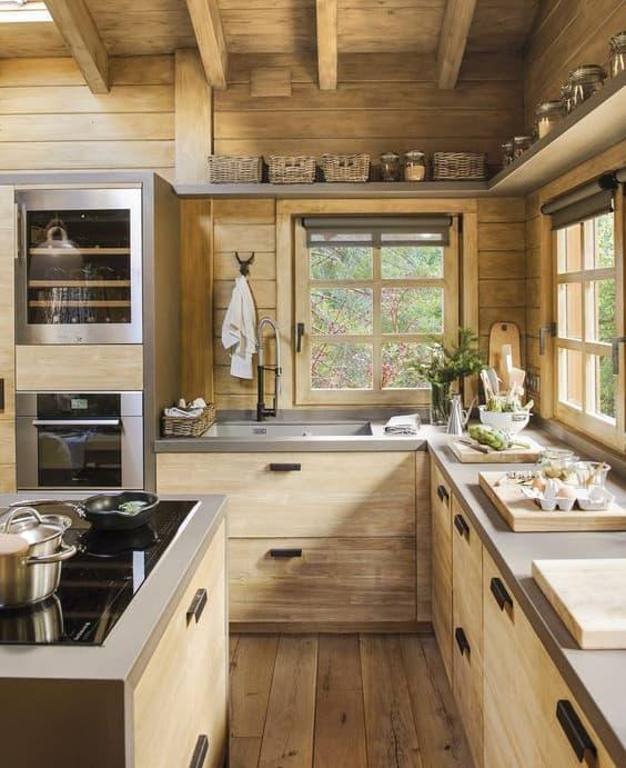 Cucina con mobile rustico
