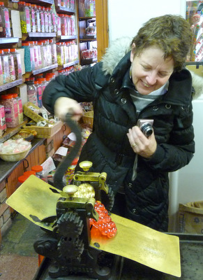 Edinburgh Foody making old fashioned sweets