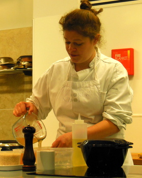 Jess demonstrating the recipes at Edinburgh New Town Cookery School