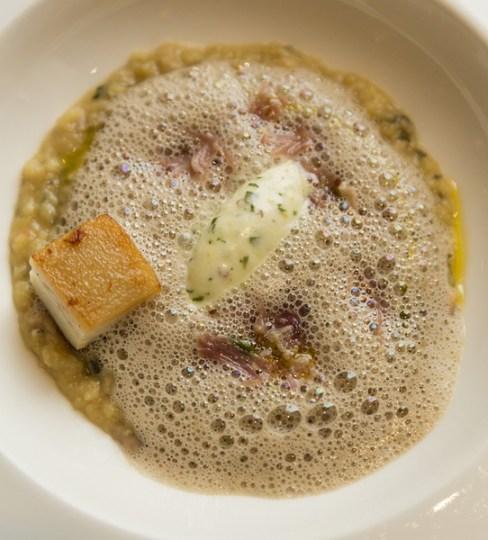Pork hock and lentil velouté, tarragon cream.