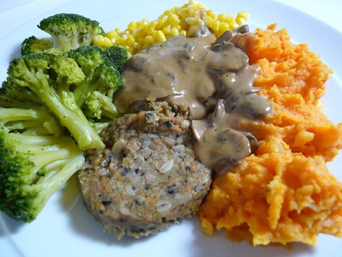 Vegetarian haggis in a hurry with vegetables and mushroom-enriched whisky sauce.