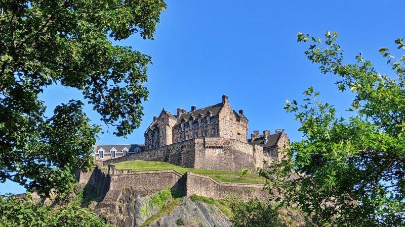 10 incredible facts about Edinburgh Castle