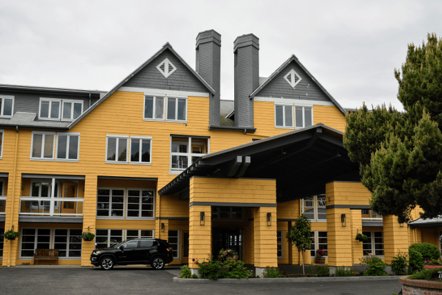 The front of Semiahmoo Resort
