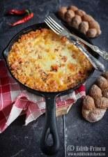Conopida picanta cu mozzarella