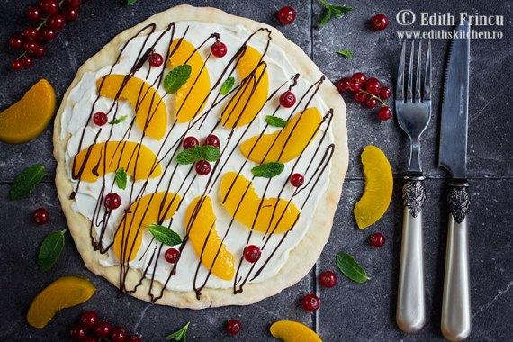 pizza-dulce-cu-piersici-1