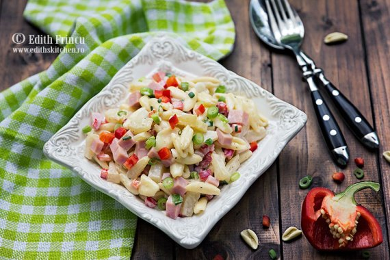 salata-hawaii-cu-paste-si-ananas-2