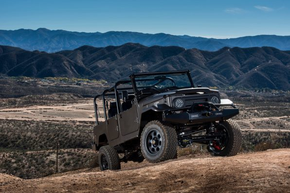 ICON_FJ44_Petersen_F34_Low_Hills_DSC_0470