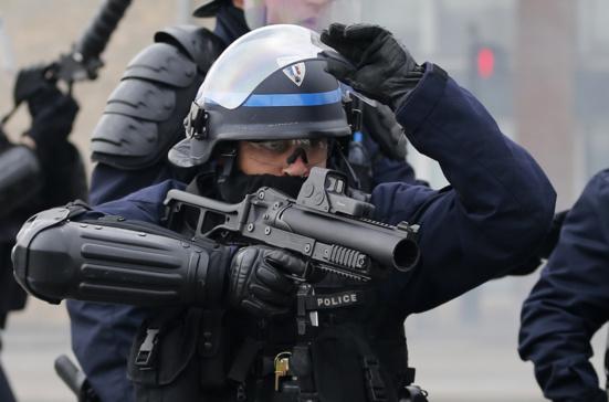 """""""On n'a pas le droit de bloquer la France"""", avertit Christophe Castaner (PS-EM!)"""