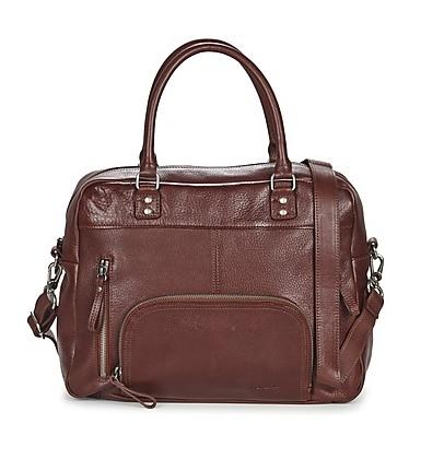 b4259b1598 Οι τσάντες χειρός είναι το απόλυτο αξεσουάρ για μία γυναίκα που θέλει να  προβάλλει το στυλ και την κλασσικότητά της. Μπορείτε να τις φορέσετε είτε  στον ...