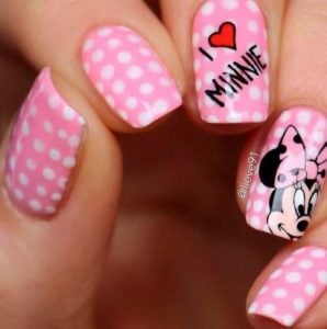 nail pattern with minnie mouse