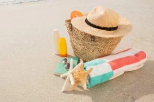 τσάντα θαλάσσης βάλε στη λίστα διακοπών το καλοκαίρι