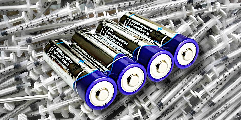 Porta pile di emergenza con siringa