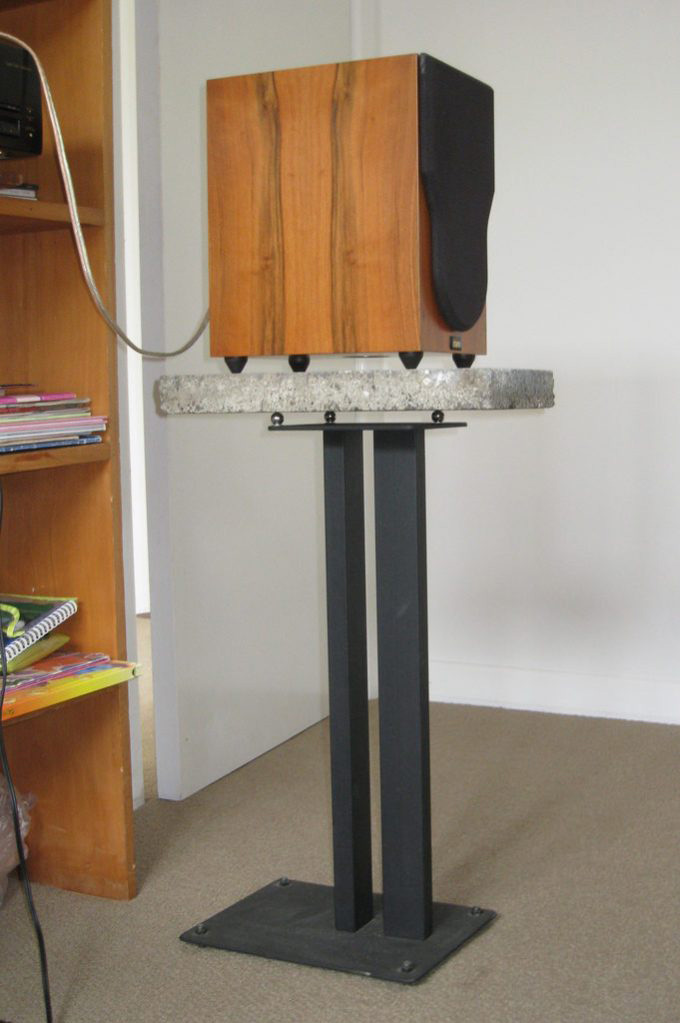 bedroom mixing speaker stand