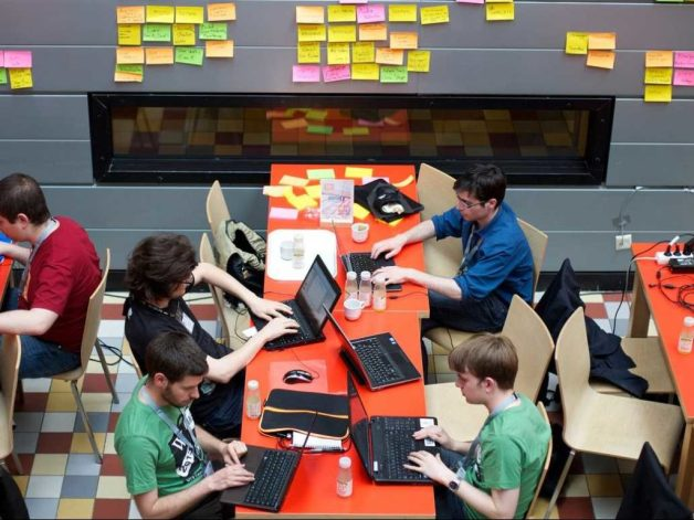 theres-a-new-way-to-land-a-job-in-tech-the-collegiate-hackathon