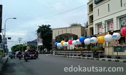 Balon Iklan 3 Perempatan Galeria Mall