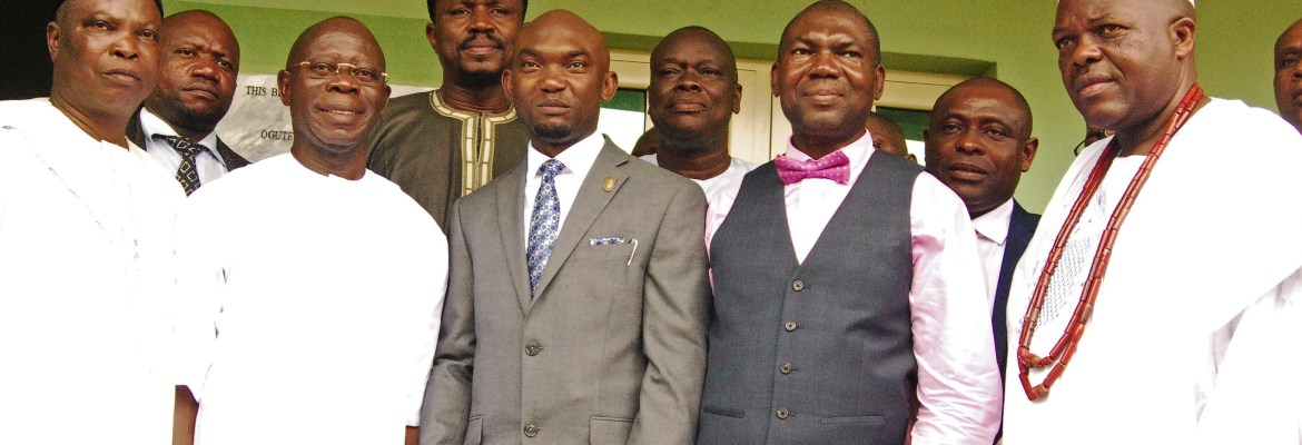 L-R: Commissioner for Education, Hon. Dr. Christopher Adesotu; Former Governor of Edo State, Comrade Adams Oshiomhole; representative of the Governor of Edo State and Chief of Staff to the Governor, Mr. Taiwo Akerele; MD Treasure Oil & Danco Investment Ltd, Mr.  Anamero Dekeri and the Imah of Somorika, HRH Oba Sule Idaiye during the commissioning of a block of 6 Classrooms and Principal's Office at Oguteoke Secondary  School, Okpella donated by Anamero Foundation on Thursday, September 14, 2017.