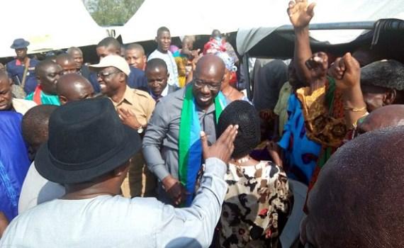 Governor Godwin Obaseki of Edo State and his Deputy, Rt. Hon. Philip Shaibu surrounded by APC party faithful during the Thank-You-Visit to Orhionmwon LGA at Abudu on Tuesday, October 24, 2017.
