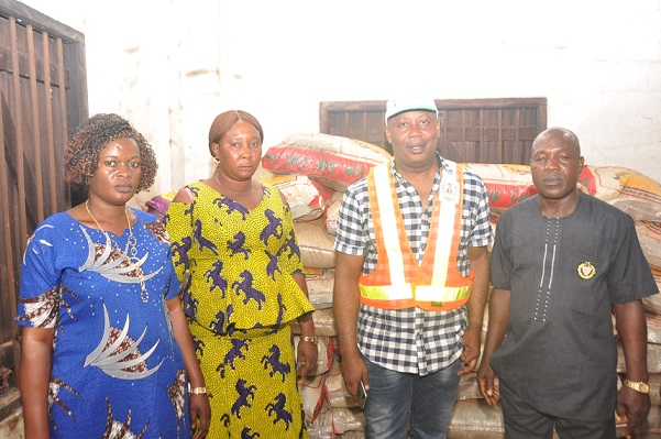 Edo Govt. distributes relief materials to Safarogbo Community