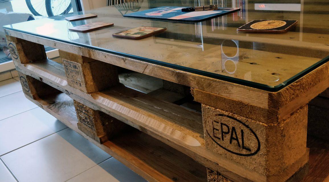 table basse avec des palettes