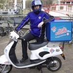 Le Scooter Electrique de Domino's Pizza a la Tchatche !
