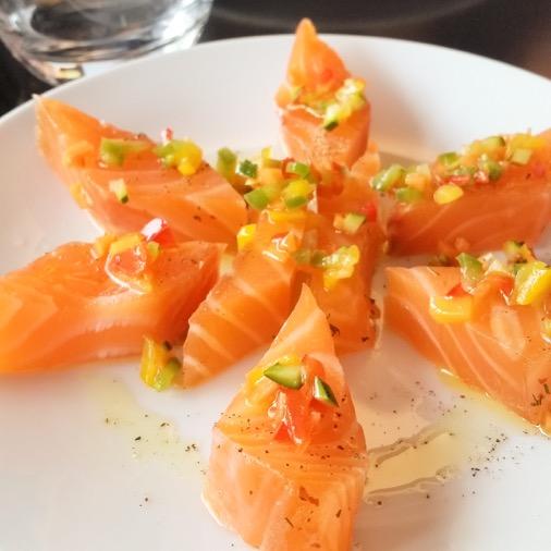 restaurant cafe dad paris saumon gravelax entrée